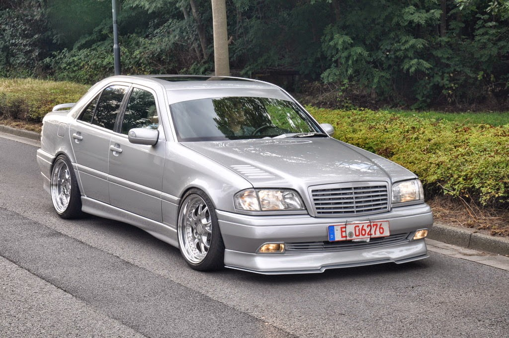 mercedes benz w202 on r18 wheels benztuning. Black Bedroom Furniture Sets. Home Design Ideas