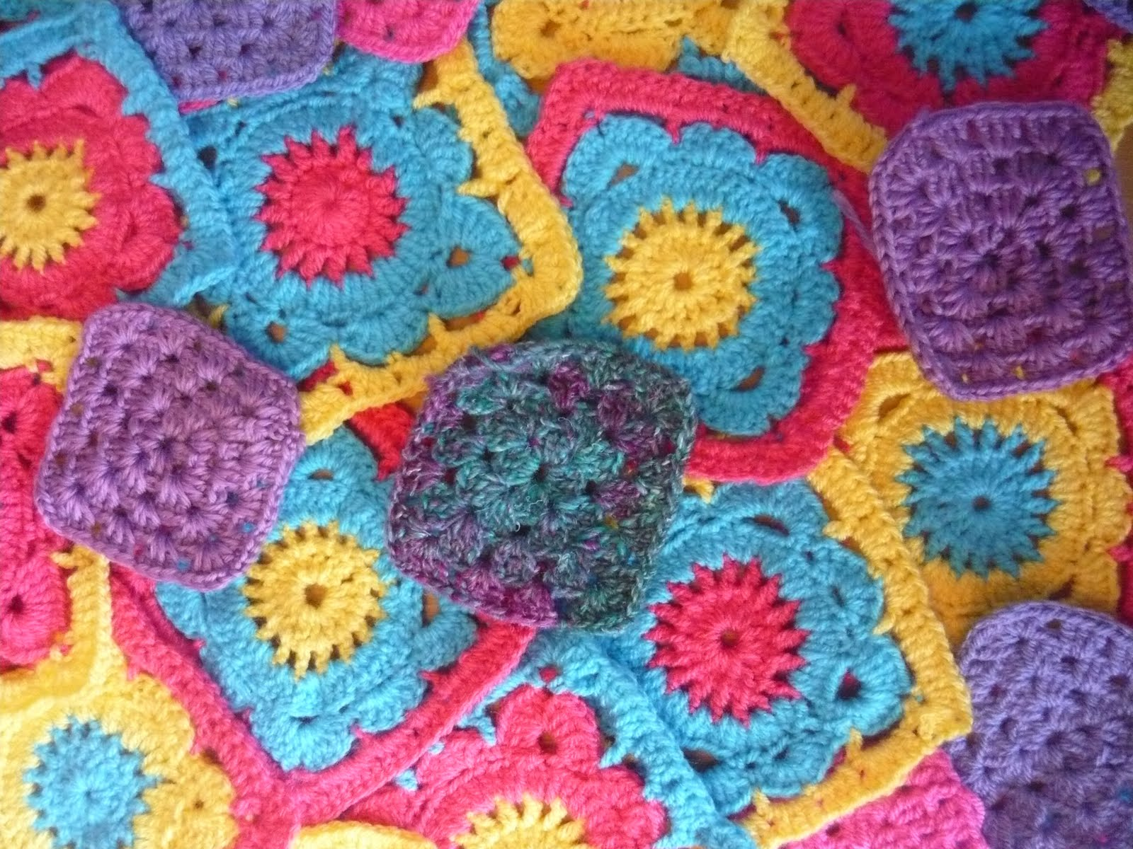 Crocheting Grandma : The Gingerbread Bunny: How to crochet a Granny Square!