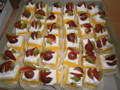 Fresh Cream Slice Cake RM 35 36 pcs