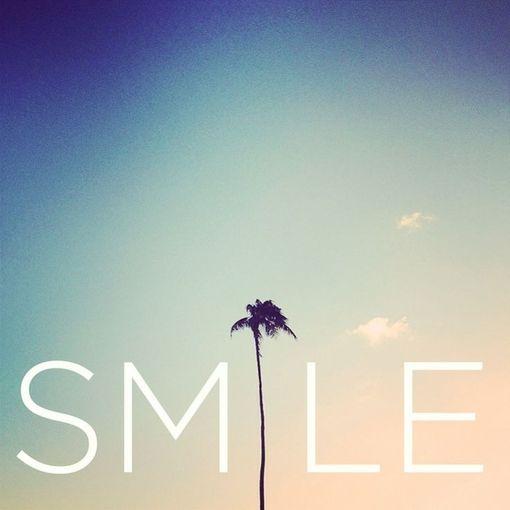 A sonreír