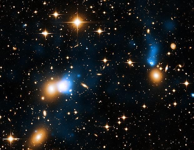 Galaxia esconde gigantesca cola