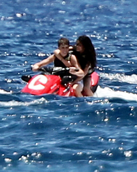 selena gomez and justin bieber at the beach may 2011. EXCLUSIVE:Justin Bieber And