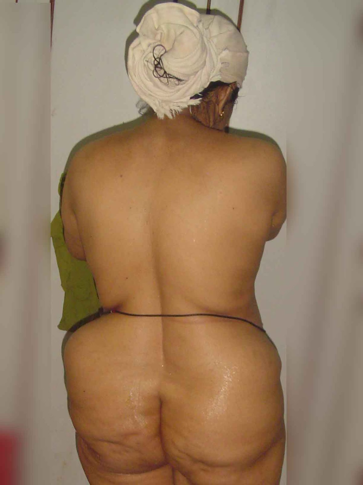 Big booty saree aunty nude