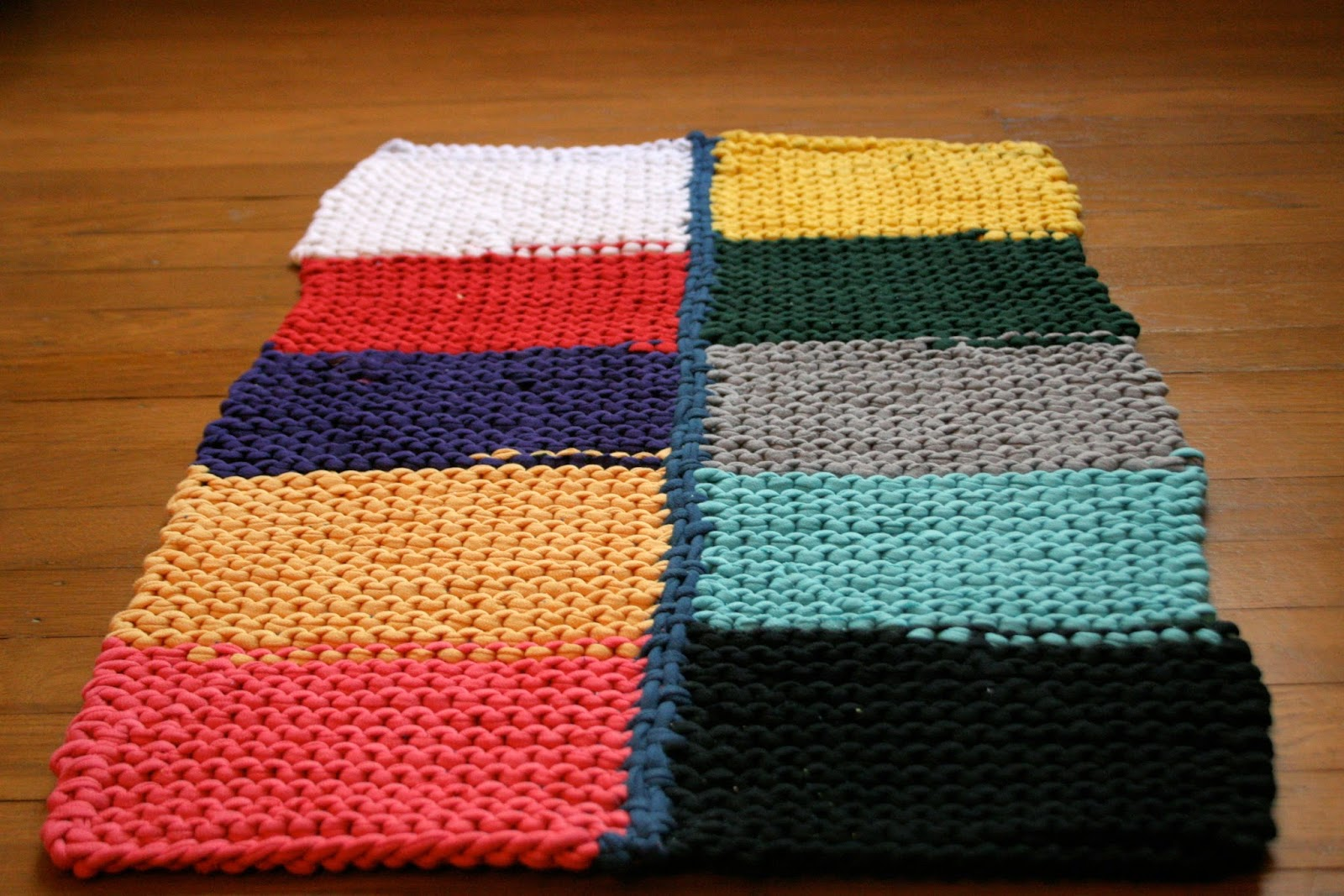 How To Knit A Rug Knitted T Shirt Rug The Surznick Common Room