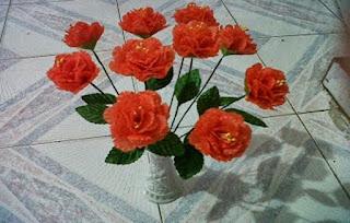 Cara Membuat Bunga dari Kantong Kresek