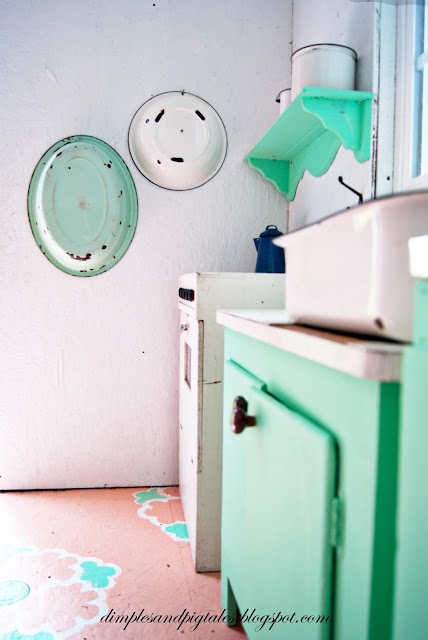 Vintage Enamelware + mint green kitchen