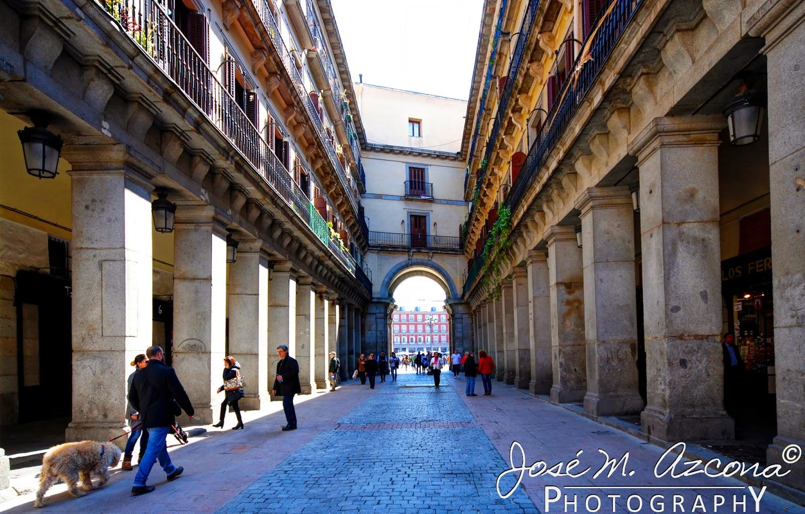 Calle de Cuidad Rodrigo. Al fondo, la plaza Mayor