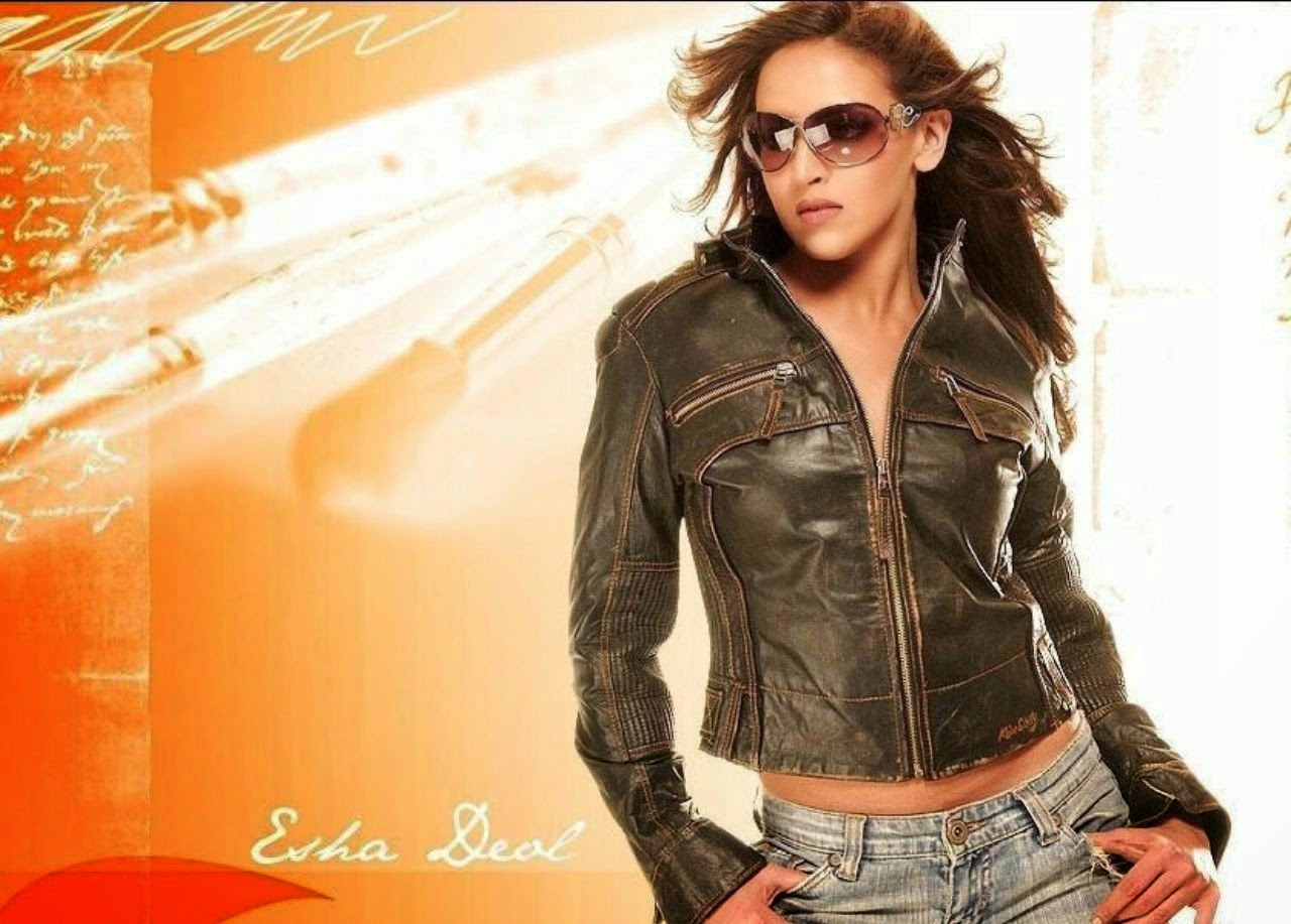 Dhoom movie wallpapers of Esha Deol pics downloads