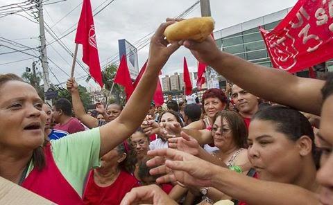 Fascistas de esquerda promovem passeata