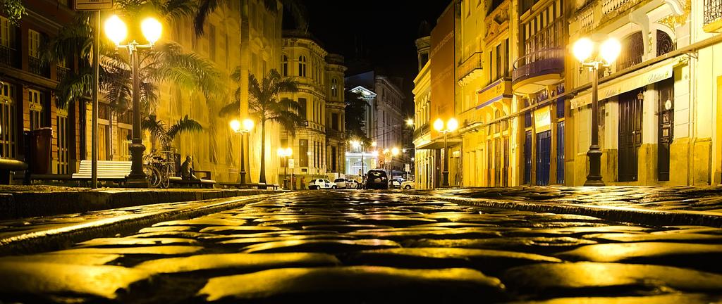 Resultado de imagem para recife ruas escuras
