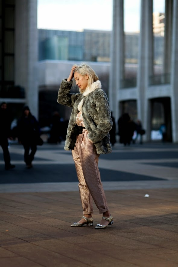 bronze peach jumper fur coat platum hair new york street style winter fashion the stylepreneur
