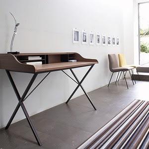 die wohngalerie ursuline schreibtisch von ligne roset. Black Bedroom Furniture Sets. Home Design Ideas