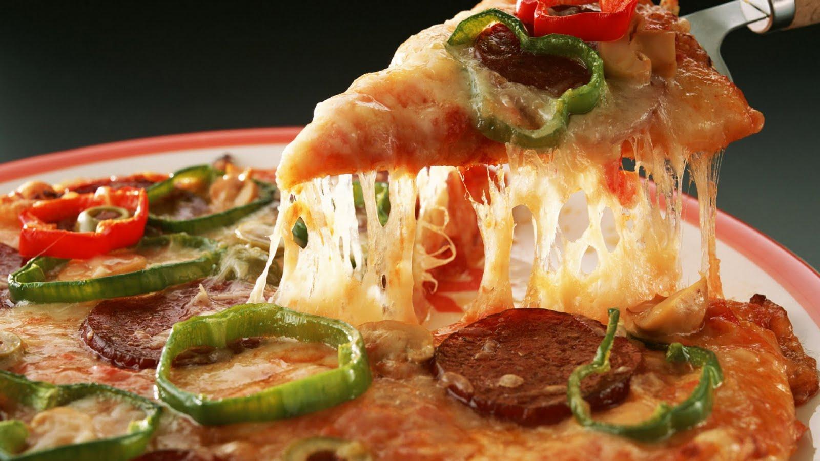 http://2.bp.blogspot.com/-crfw7iF7Gkk/Tfx4K1gQ4TI/AAAAAAAAEYk/6E8IooDfL7g/s1600/Pizza.jpg