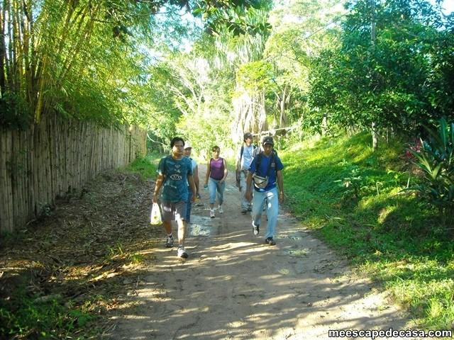Caminata a las cascadas del Shilcayo, Perú (Checa, Gina, Maju, Abel, Meyer y el Caminante)