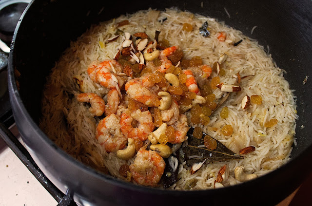 how to cook indian style prawn pilaf