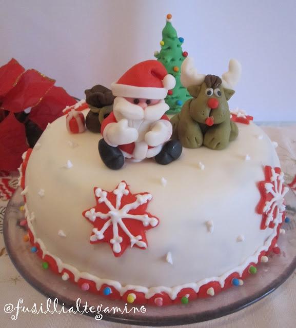 Torta Natale in pasta di zucchero