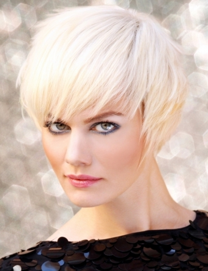 LAYERED HAIRCUT FOR MEDIUM LENGTH HAIRS: SHORT HAIRSTYLES