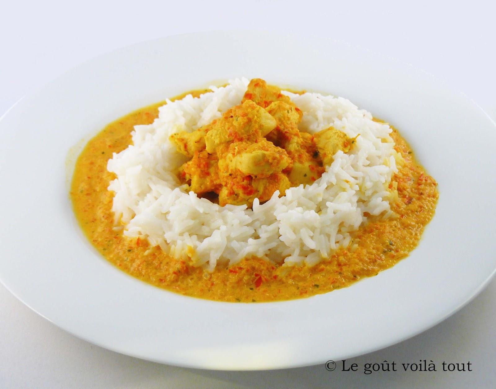 Poulet au riz et sauce au lait de coco