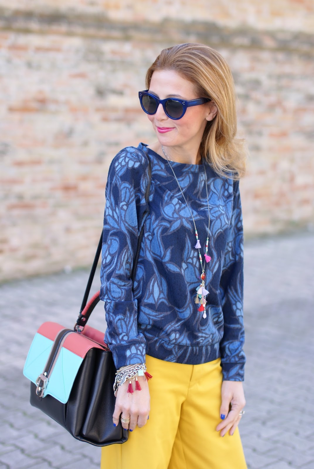 Paula Cademartori Faye handbag, yellow pants and Hype Glass on Fashion and Cookies fashion blog