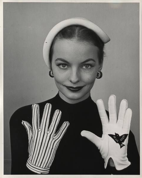 Novelty Bird and Cage Gloves #vintage #gloves #1950s #fashion