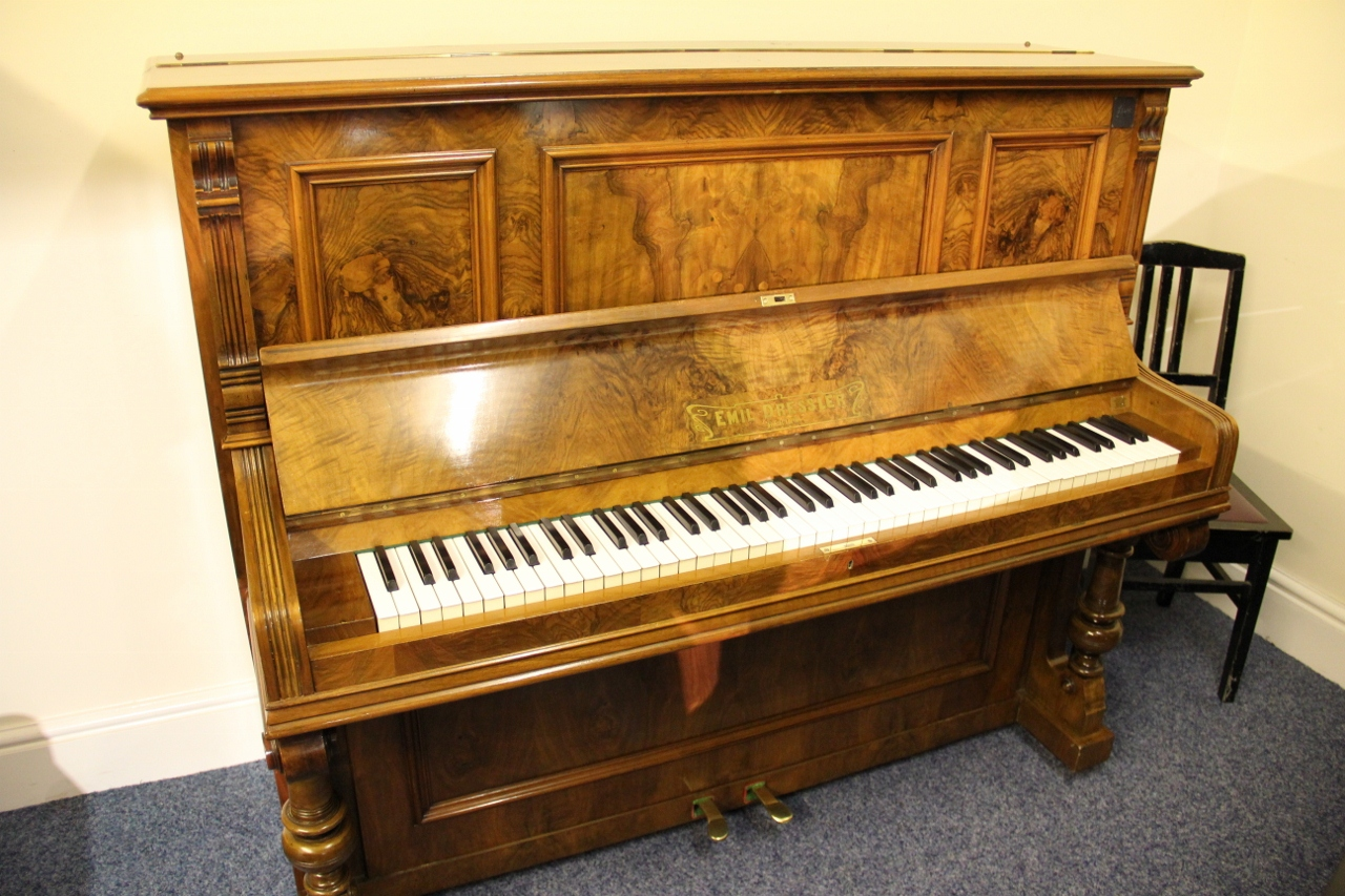 The piano gallery piano for sale yamaha pianos bechstein for Yamaha c2 piano for sale