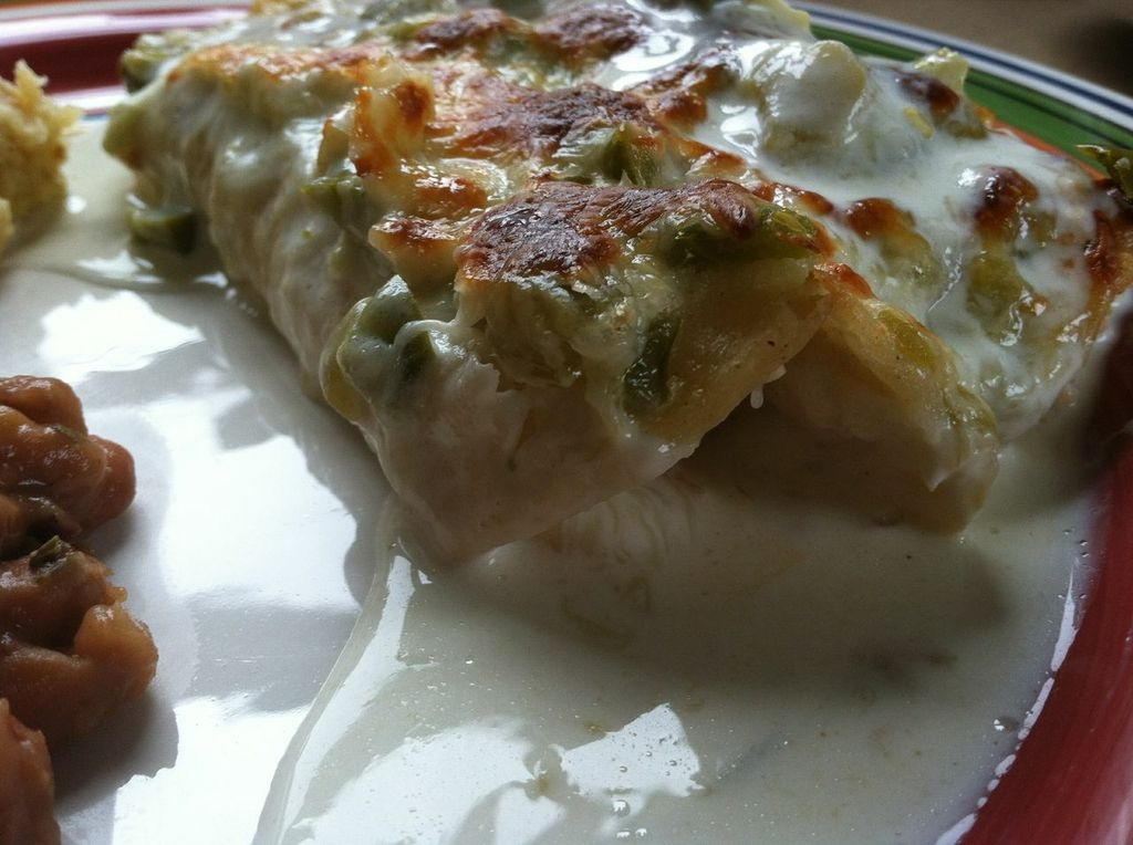 Two Magical Moms: Easy Suizey Chicken Enchiladas (Gluten Free)