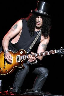 Slash tocando uma Les Paul