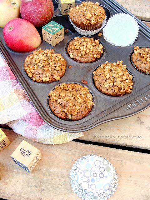 muffiny pełnoziarniste z jabłkami