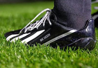 Adidas botas de fútbol reflectantes