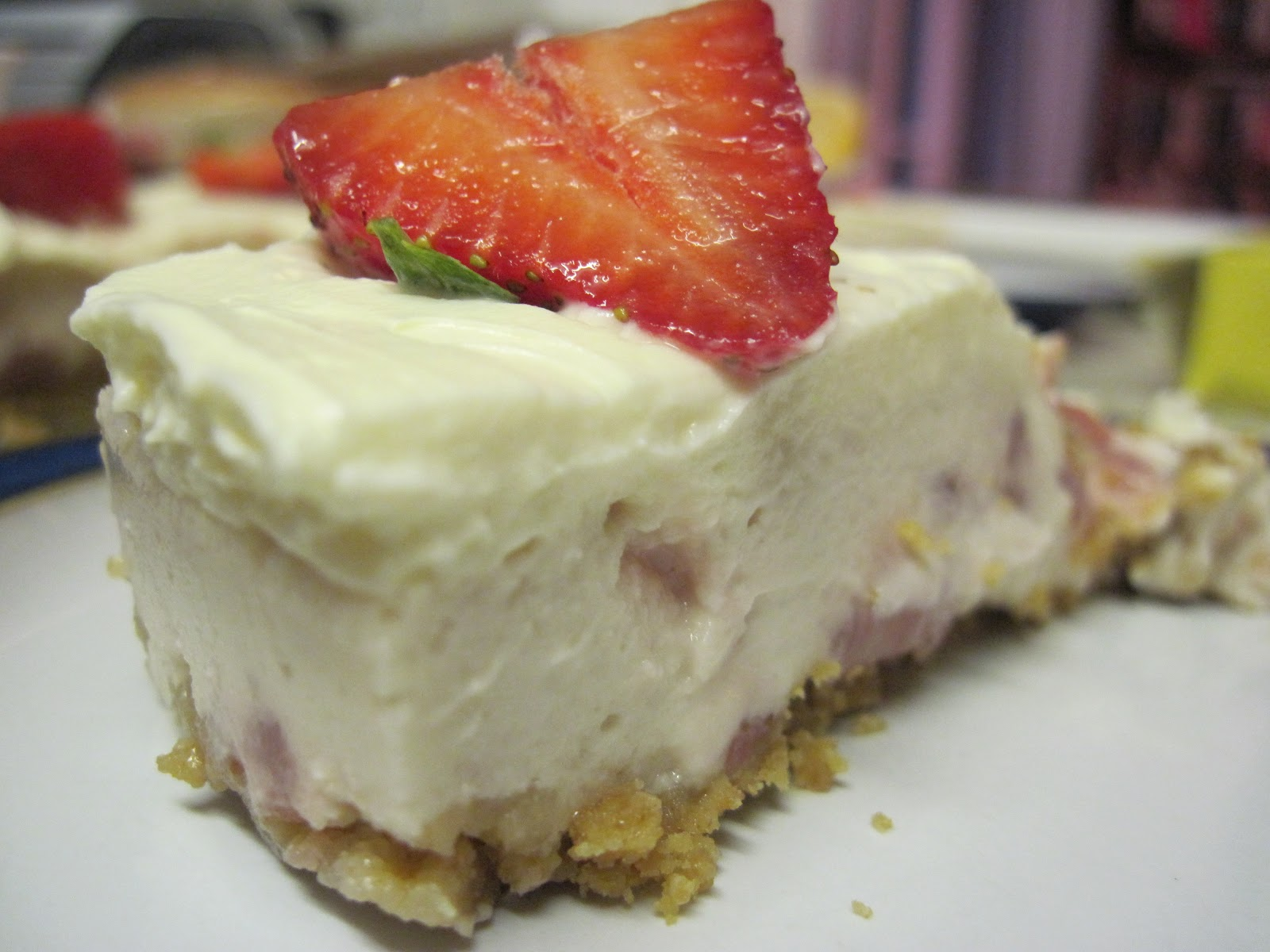 The Sugar Lump: Strawberries & Cream Cheesecake