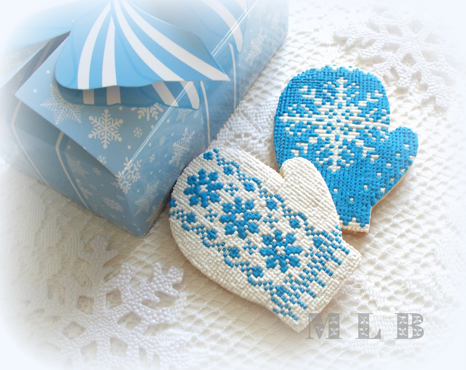 Mitten christmas decorations - Christmas Cookies Mittens
