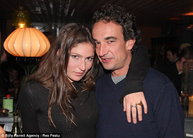"""mary kate olsen dating 35 responses to """"mary-kate olsen cheats on boyfriend with jonah hill"""" comments are closed we close comments on older posts to fight comment spam."""