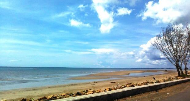 keindahan pantai pagatan
