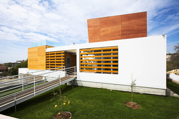 Modern Cyprus Architecture: An Artfully Divided House