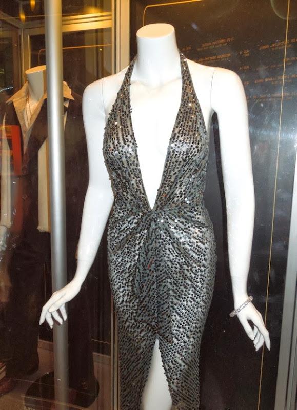 Amy Adams Sydney Prosser costume American Hustle