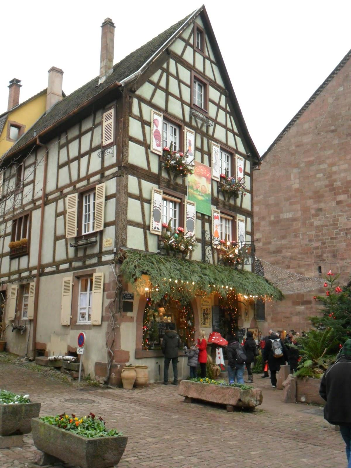 Le jardin de prosper escapade alsacienne for Champignon facade maison