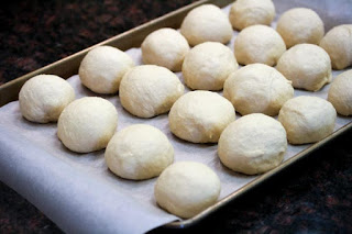 rolls-on-cooking-sheet