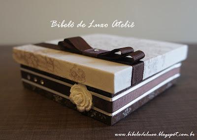 CAIXAS DE TECIDO PARA DOCES, COLEÇÃO TOILE DE JOUY, BIBELÔ DE LUXO ATELIÊ, CASAMENTO MARROM, OFF WHITE E FENDI www.bibelodeluxo.blogspot.com.br