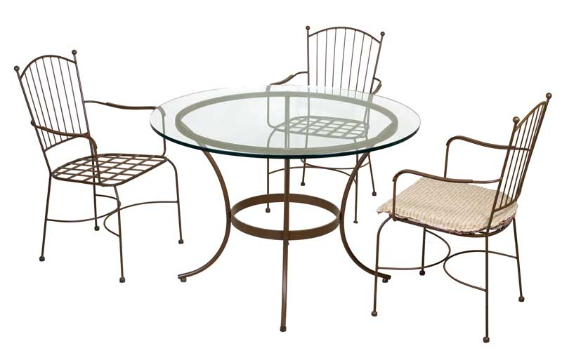 Muebles de forja conjuntos de mesas y sillas para la terraza for Conjunto de mesa y sillas para terraza