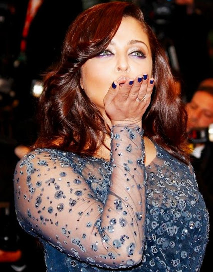 Aishwarya Rai Bachchan's Flying Kiss at CANNES'12 Aishwarya+Rai+Bachchan%27s+Flying+Kiss+at+CANNES%2712