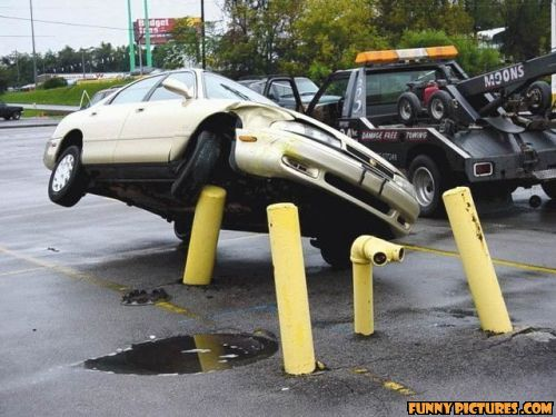Crash Cars Crash: 19 Funny and Confusing Car Accidents: http://crashcarscrash.blogspot.com/2012/03/19-funny-and-confusing-car-accidents.html