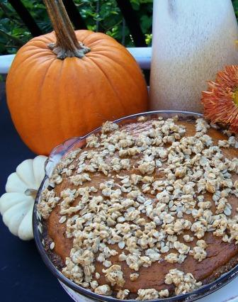 A pumpkin pie with an oatmeal cookie crust...yes please!