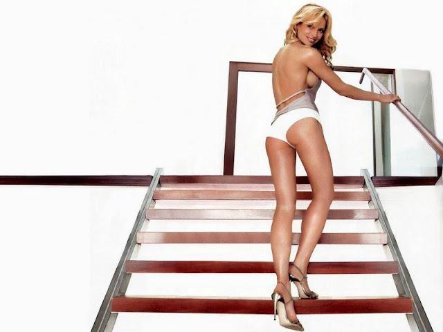 Jolene Blalock sexy in bikini