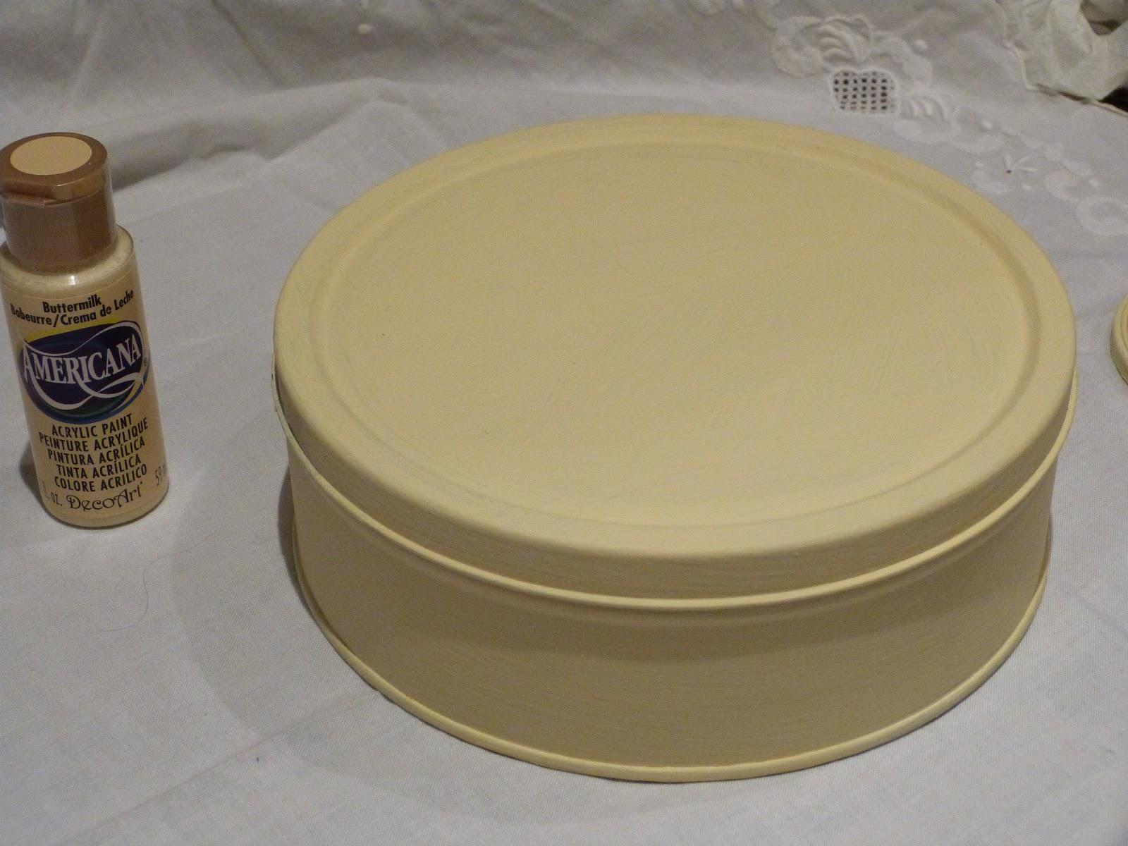 Renovando caja metal para galletas - Manualidades pintar caja metal ...