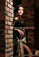 Yumi Model Majalah Popular World, Mei 2013 (Part 2)