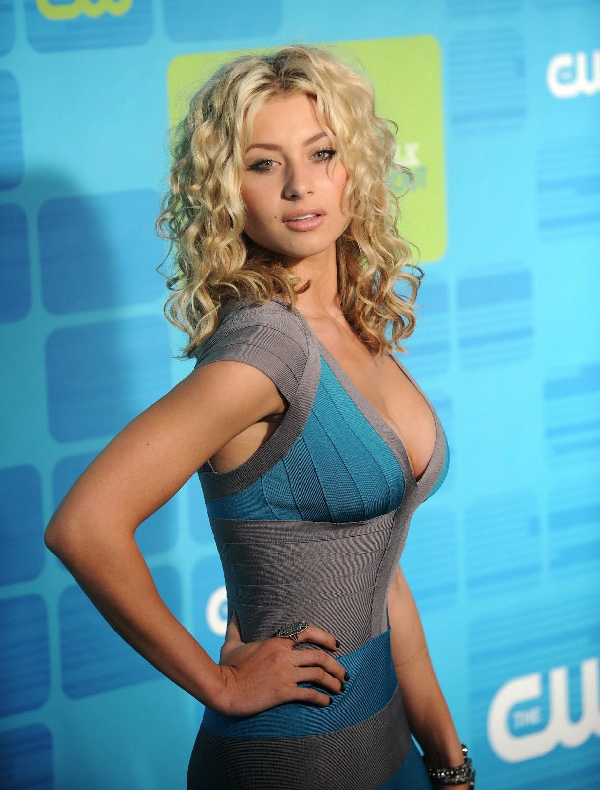 Latest Celebrity Photos: Aly Michalka Latest Sexy Hot