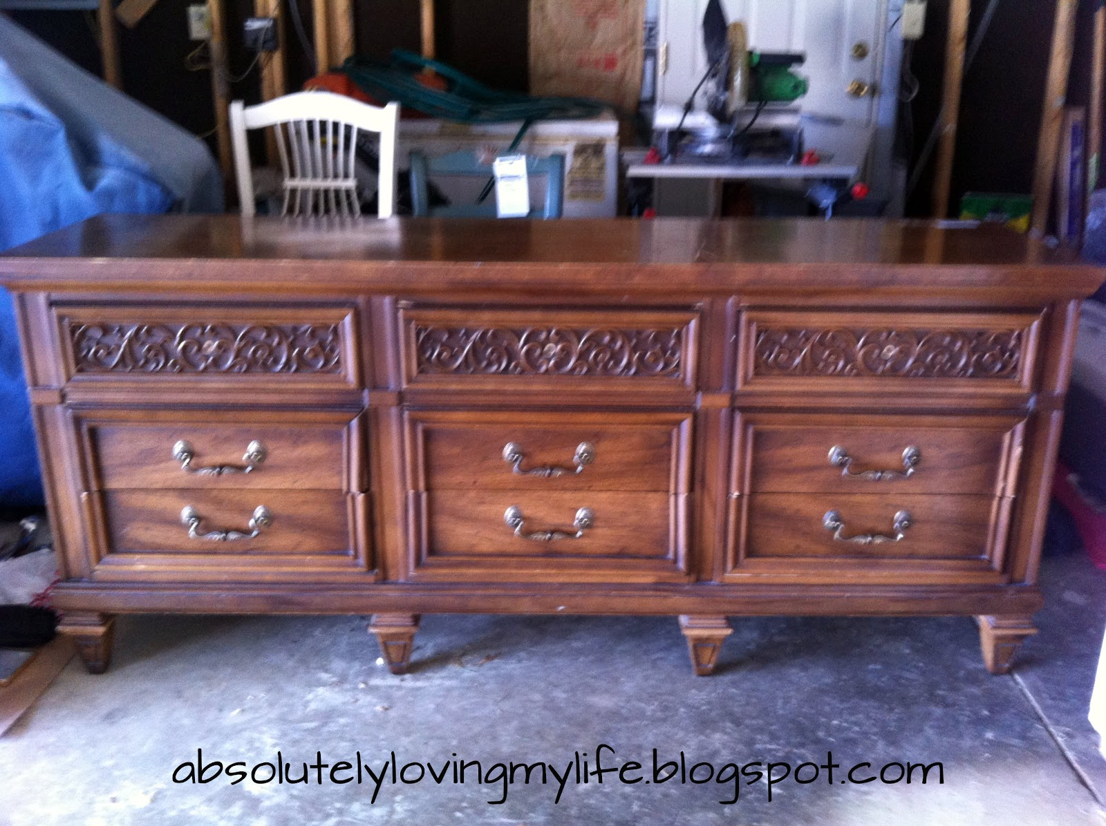 Loving life annie sloan chalk paint furniture redo from for Redo furniture