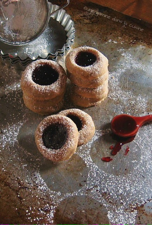 raspberry cornmeal thumbprint cookies | une gamine dans la cuisine