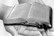 PRESENTEIE ALGUÉM COM UMA BÍBLIA!