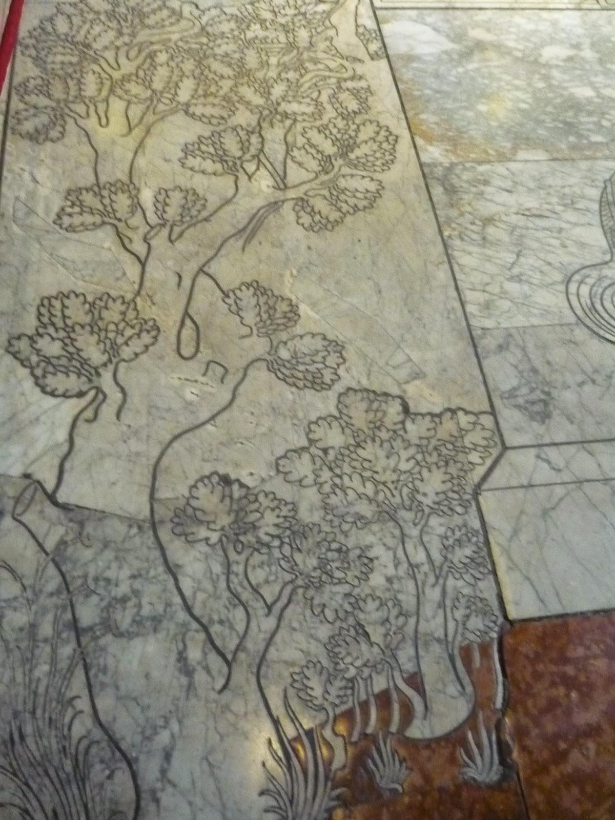 Huellas de árbol (Suelo del Duomo de Siena), 2010 Beatriz